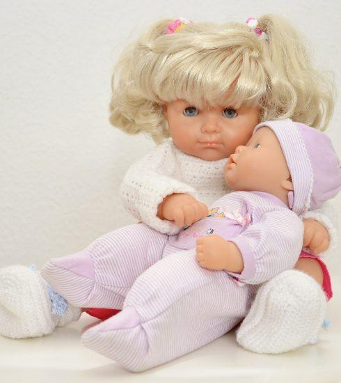 Dolls Toys Baby Born Children Toys  - congerdesign / Pixabay