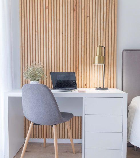 Interior Design Bedroom Table Chair  - sandraicrei / Pixabay