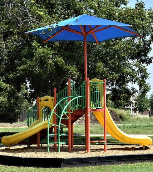 Playground Slide Childhood Play  - Ray_Shrewsberry / Pixabay